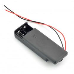 Koszyk na 2 baterie typu AAA (R3) z pokrywą i włącznikiem
