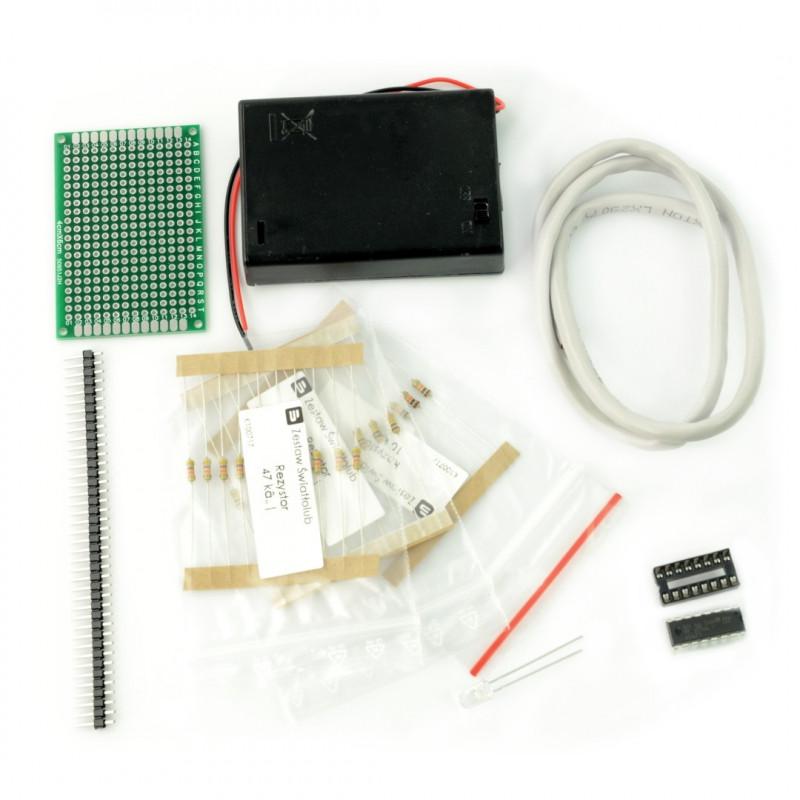 Simple light follower robot DIY kit_