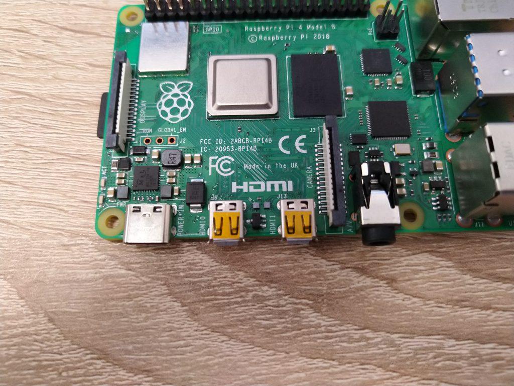 Numeracja portów micro HDMI Raspberry Pi 4B