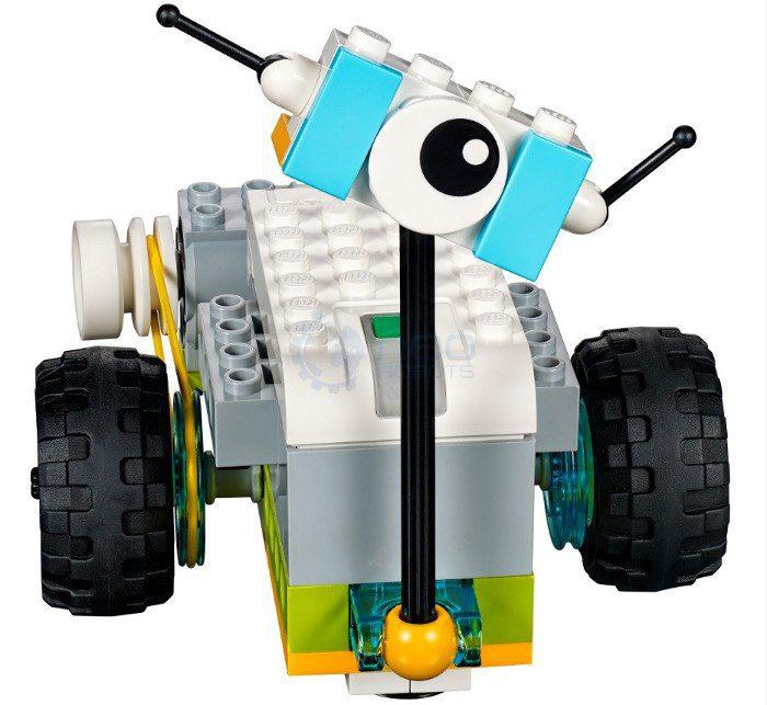Robot na kółkach Lego WeDo 2.0