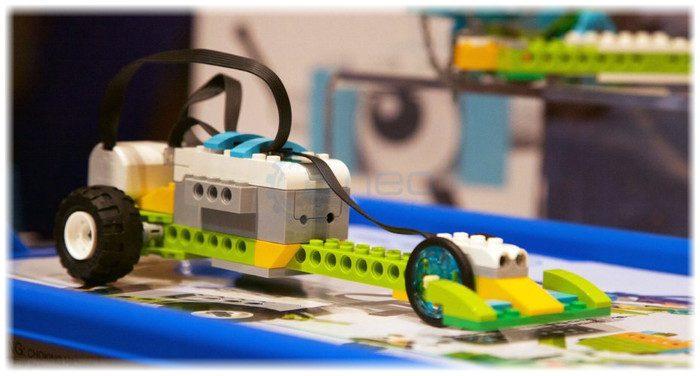 Pojazd z zestawu Lego WeDo 2.0