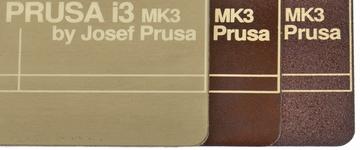 Zdejmowalny magnetyczny stół w oryginalnej drukarce 3D Prusa i3 MK52.